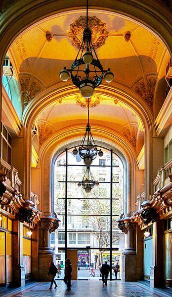 348px-Buenos_Aires_-_Palacio_Barolo_-_Hall_principal