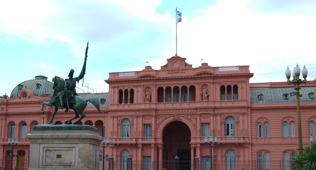 Beatrice Murch Casa Rosada