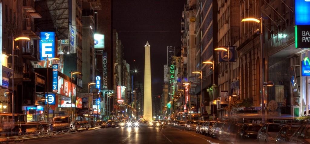 Corrientes_Buenos_Aires_at_Night