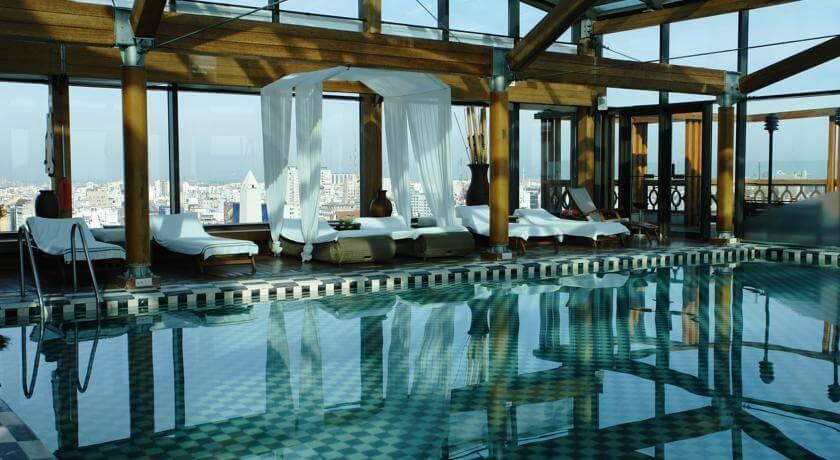 O Panamericano tem uma piscina coberta, 2 restaurantes e Wi-Fi gratuito no saguão.
