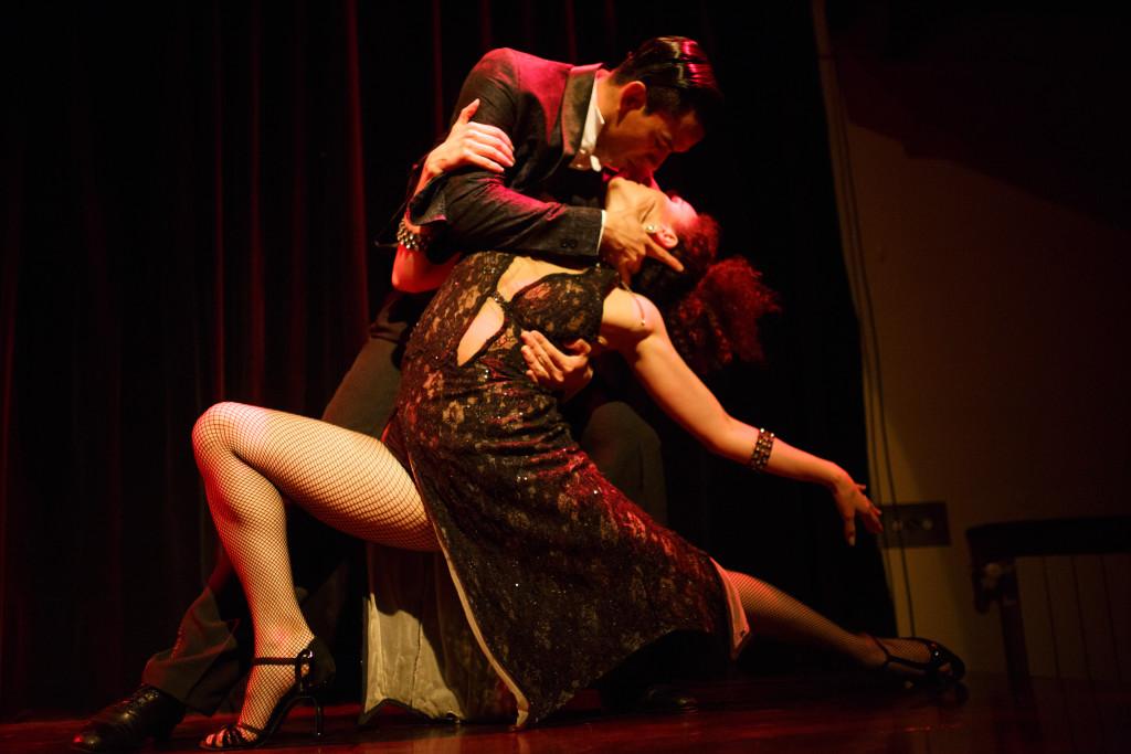 Complejo tango (230)
