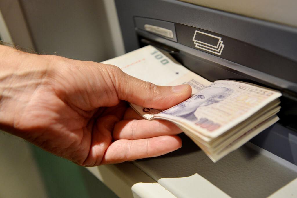 Como sacar dinheiro em Buenos Aires_diarioelporticocom