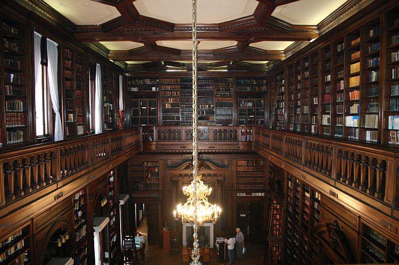legislatura_de_la_ciudad_de_buenos_aires_-_biblioteca_4