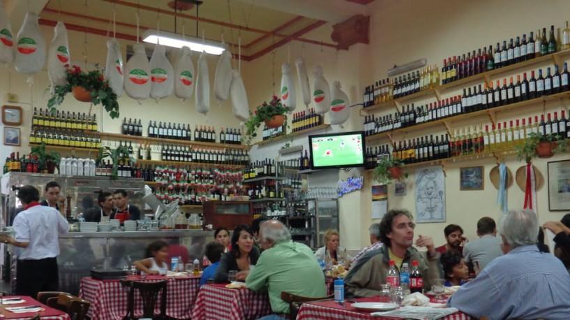 Bodegones_de_Buenos_Aires_Spagge_di_Napoli_03_Yelp