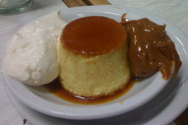 Doces_argentinos_flan_mixto