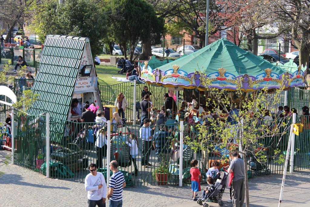 plaza armenia calesita