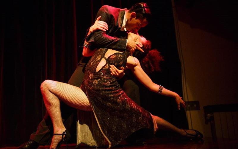 razões para ir a um show de tango