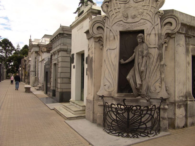cemitério-da-recoleta-tumba
