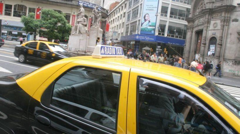 é seguro andar de táxi em Buenos Aires-radio-táxi