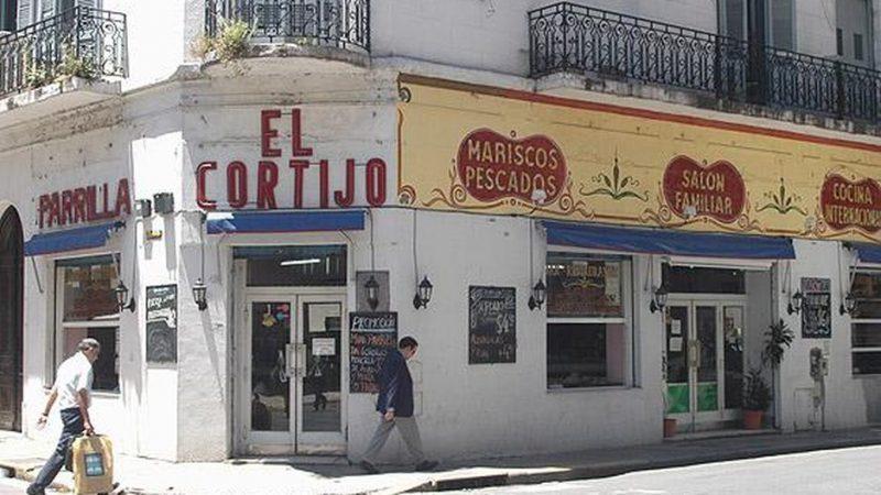 cafés-e-bares-24-horas-de-Buenos-Aires-El-Cortijo