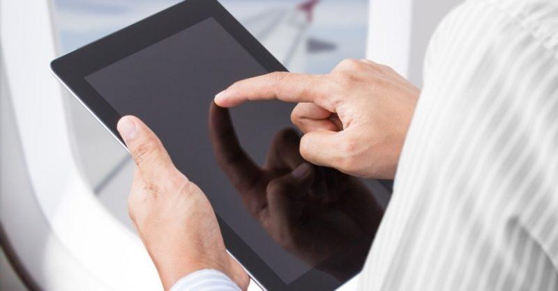 o-que-é-permitido-levar-na-bagagem-de-mão-tablet