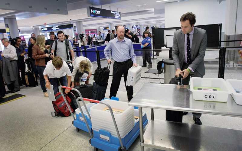 o-que-é-permitido-levar-na-bagagem-de-mão06-esteira02