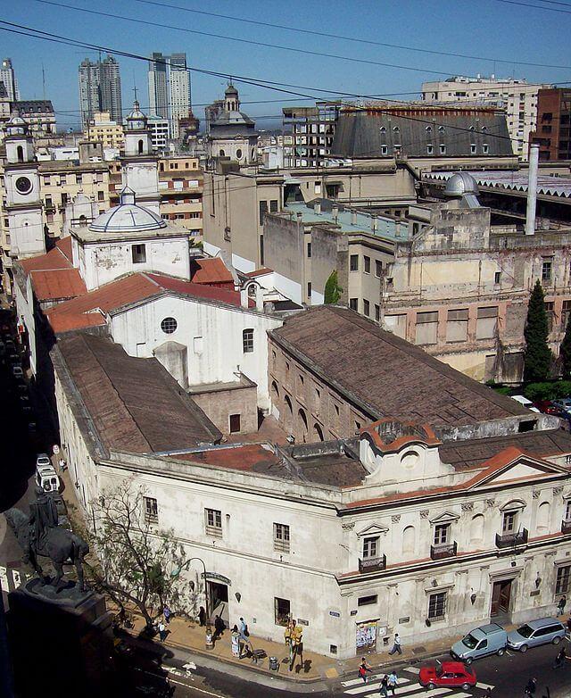 Manzana_de_las_Luces_vista_desde_arriba_Wikimedia_Roberto_Fiadone_Cret_Commons