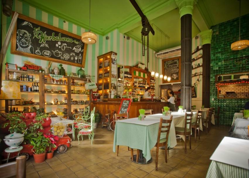 avenida-caseros-restaurante-hierbabuena